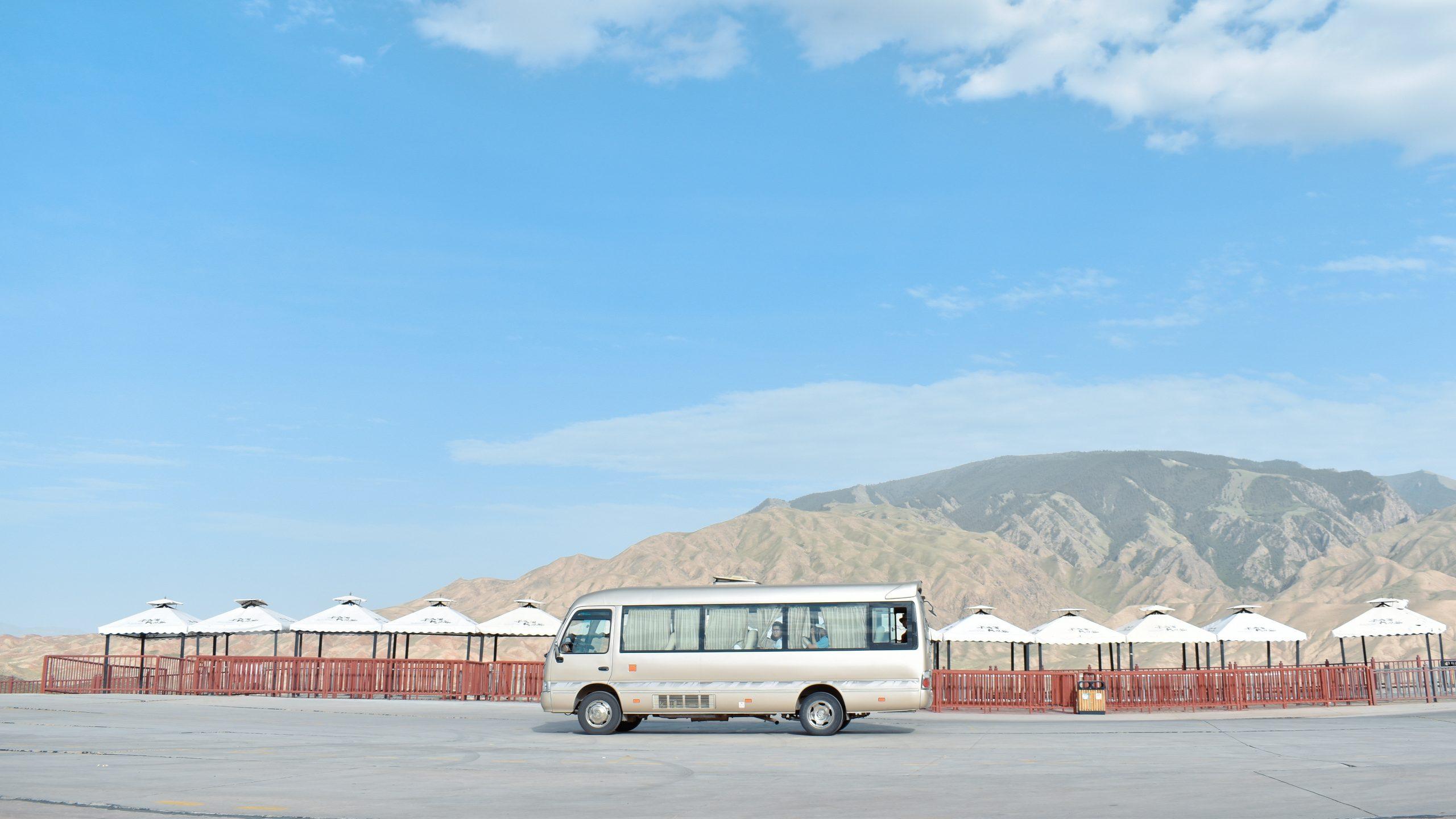 Co warto wiedzieć podczas wynajmowania busa?