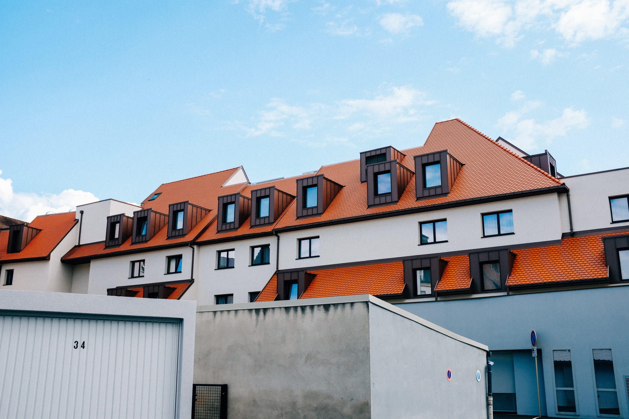 Izolacje natryskowe na budynkach